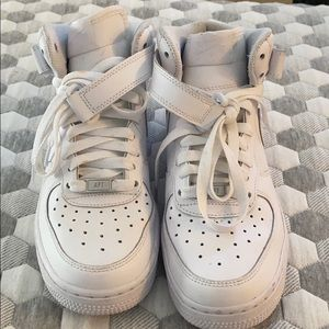 Boys high rise white nike shoes